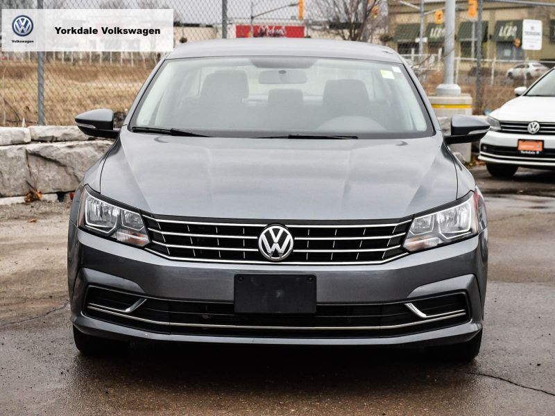 Certified Pre-Owned 2018 Volkswagen Passat Trendline plus 2.0T 6sp at w/Tip
