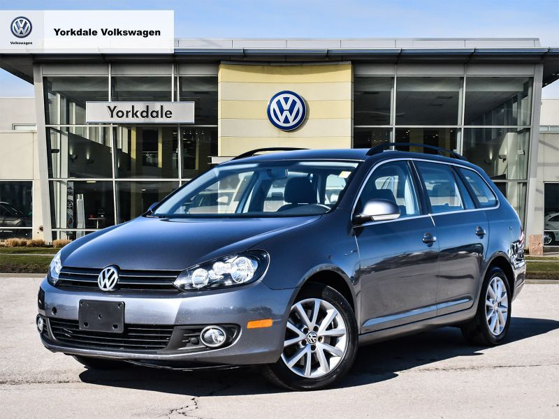 Certified Pre-Owned 2014 Volkswagen Golf Wagon 2.0 TDI Comfortline 6sp